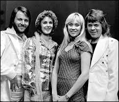 """Le groupe ABBA a chanté de nombreux titres, mais pouvez-vous compléter un extrait de """"Gimme ! Gimme ! Gimme ! (A Man After Midnight)"""" ? Gimme, gimme, gimme a man after midnightWon't somebody help me chase the shadows awayGimme, gimme, gimme a man after midnightTake me through the darkness[...]"""
