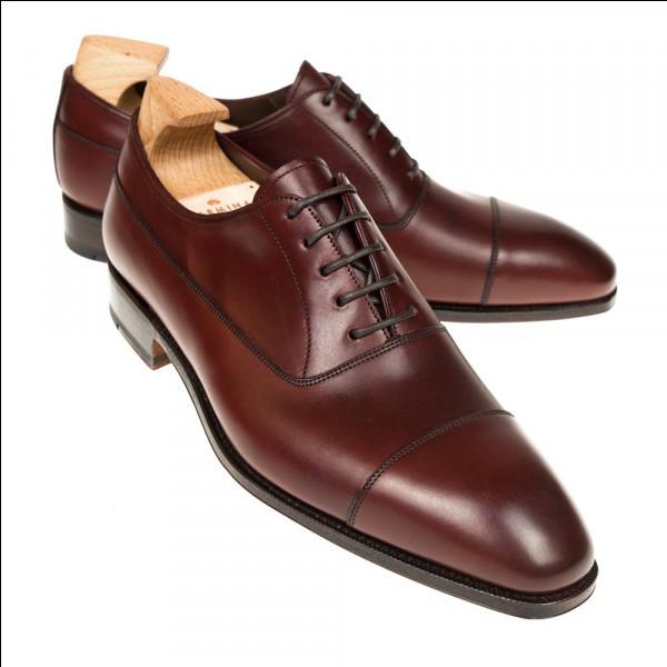 """C'est un objet que nous mettons tous les jours à nos pieds : la chaussure. Sélectionnez-moi le synonyme de """"chaussure"""" :"""