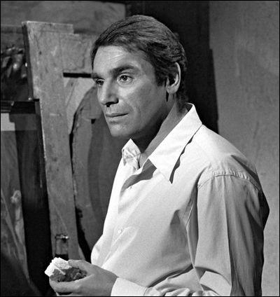 """Il commence sa carrière cinématographique en 1948, joue dans """"Du rififi chez les hommes"""", incarne Joffrey de Peyrac, dans la série des """"Angélique"""", se tourne vers la réalisation avec """"Le Vampire de Düsseldorf"""" : c'est ..."""