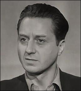 """Il débute dans les années 30, joue dans """"Casque d'or"""" de Jacques Becker, """"Le Plaisir"""" de Max Ophüls, """"Pourquoi viens-tu si tard ?"""" d'Henri Decoin : c'est ..."""