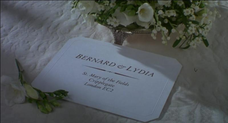 Pour le deuxième mariage de Bernard et Lydia, qui joue le rôle du prêtre débutant ?