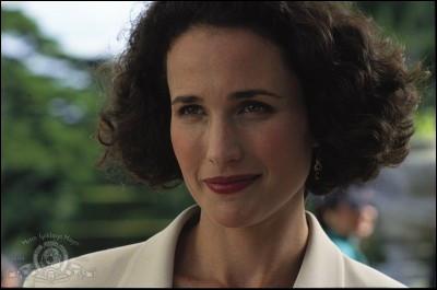 De quelle nationalité est cette femme dans le film ?