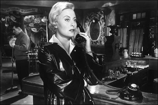 """Elle obtient le prix d'interprétation féminine au premier Festival de Cannes en 1946 pour son rôle dans """"La Symphonie pastorale""""; elle joue ensuite dans """"Les Grandes Manoeuvres"""" et dans """"Le Miroir à deux faces"""" : c'est ..."""