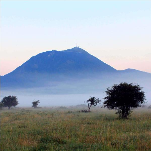 """Dans quelle région de France se trouve le volcan le """"Puy-de-Dôme"""" ?"""