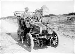 En quelle année fut inventée la première voiture ? (ne pas prendre en compte l'image)
