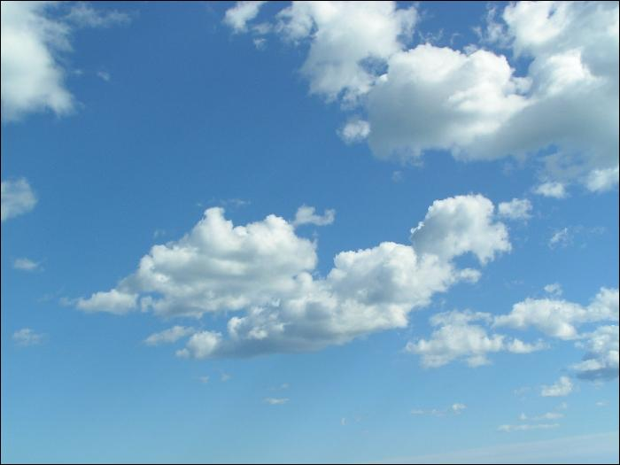 Quel phénomène du cycle de l'eau entraine à la formation de nuages après l'évaporation ?