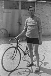 Ce coureur cycliste italien, double vainqueur du Tour de France en 1924 et 1925, c'est ... Bottecchia.