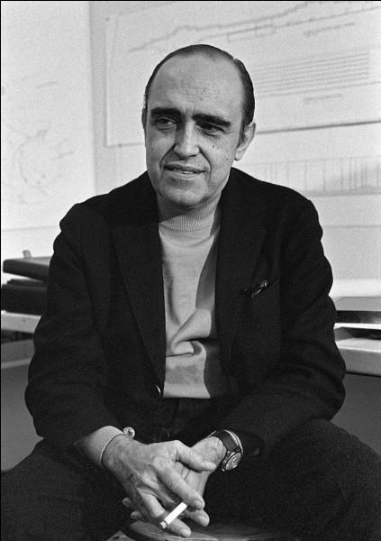 Cet architecte brésilien, connu pour la construction de la capitale Brasilia et qui, en France, a réalisé la Maison de la culture du Havre inaugurée en 1978, se prénomme ...