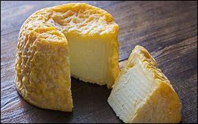 Quel est ce fromage de lait de vache à pâte molle et à croûte lavée, fabriqué en Haute-Marne ?