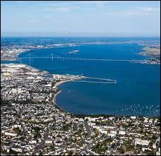 Dans quel département se trouve la ville de Saint-Nazaire ?