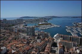 Dans quel département se situe la ville de Toulon ?
