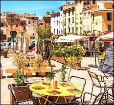 Dans quel département se trouve la ville d'Aix-en-Provence ?
