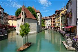 Dans quel département se trouve la ville d'Annecy ?