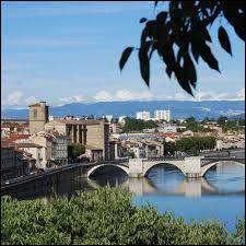 Dans quel département se trouve la ville de Valence ?
