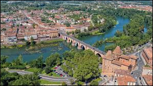 Dans quel département se situe la ville de Montauban ?