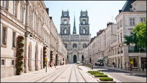 Dans quel département se situe la ville d'Orléans ?