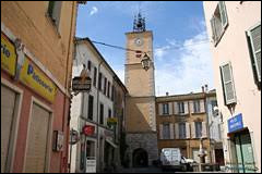 Nous partons à présent en région P.A.C.A., à Besse-sur-Issole. Ville de l'arrondissement de Brignoles, elle se situe dans le département ...