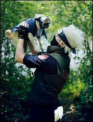 C'est un ninja légendaire pouvant invoquer des chiens ninjas :