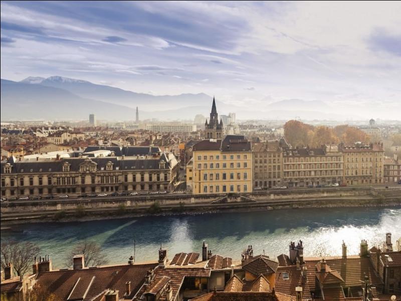 Sélectionnez la deuxième rivière qui traverse Grenoble ?