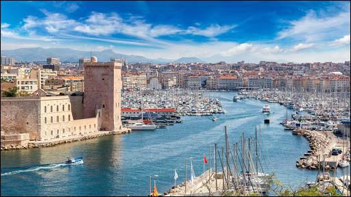 Question cadeau. Quelle ville française fut fondée sous le nom de Massalia par des colons grecs originaires de la cité de Phocée, en Asie mineure ?