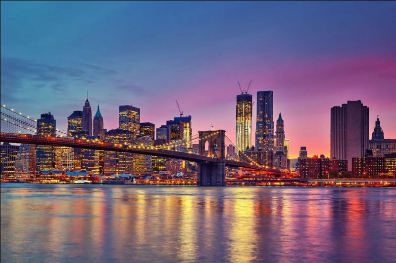 Quelle est cette ville américaine, autrefois baptisée Nouvelle-Amsterdam et Nouvelle-Angoulême ?