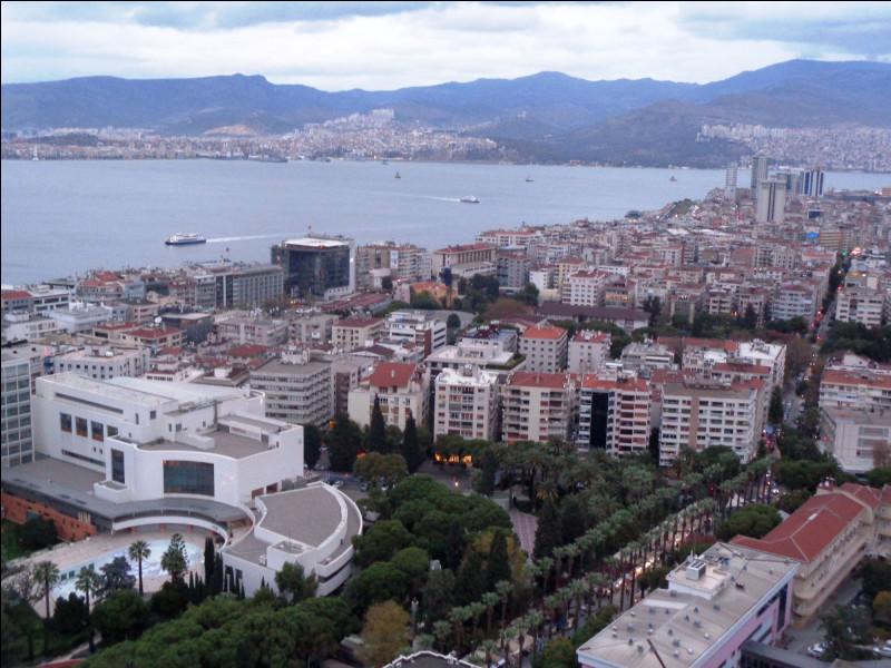 Voici l'ancienne Smyrne. Quelle est cette ville turque ?
