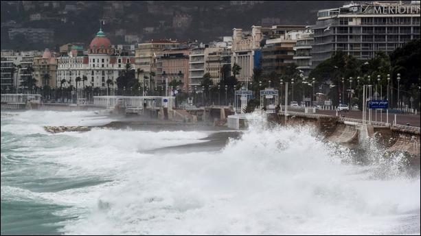 Tiens, une petite question d'actualité. Savez vous comment se nomme la tempête qui frappe la France et l'Italie en octobre 2020 ?