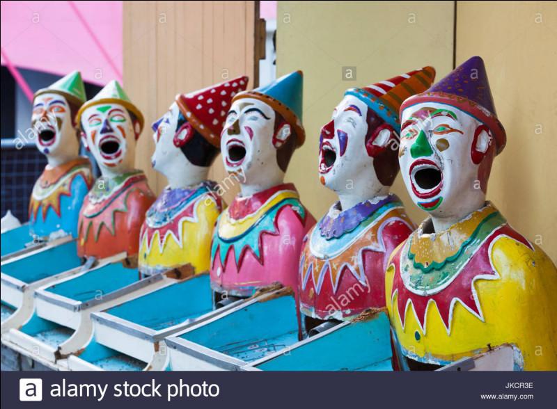 """Ce clown russe a présenté son spectacle """"Snow Show"""" dans de nombreux pays du monde, vous avez pu le voir dans Le Plus grand Cabaret du Monde !"""