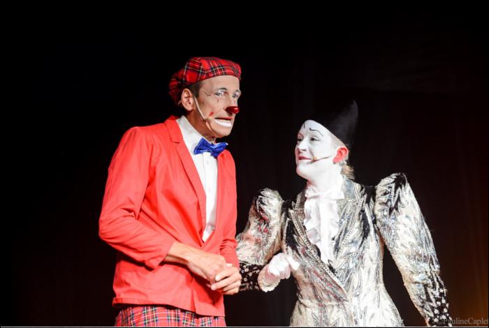 Dans ce film, Jean-Paul Belmondo se déguise en clown !