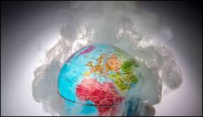 Les gaz à effet de serre présents dans l'atmosphère terrestre sont :