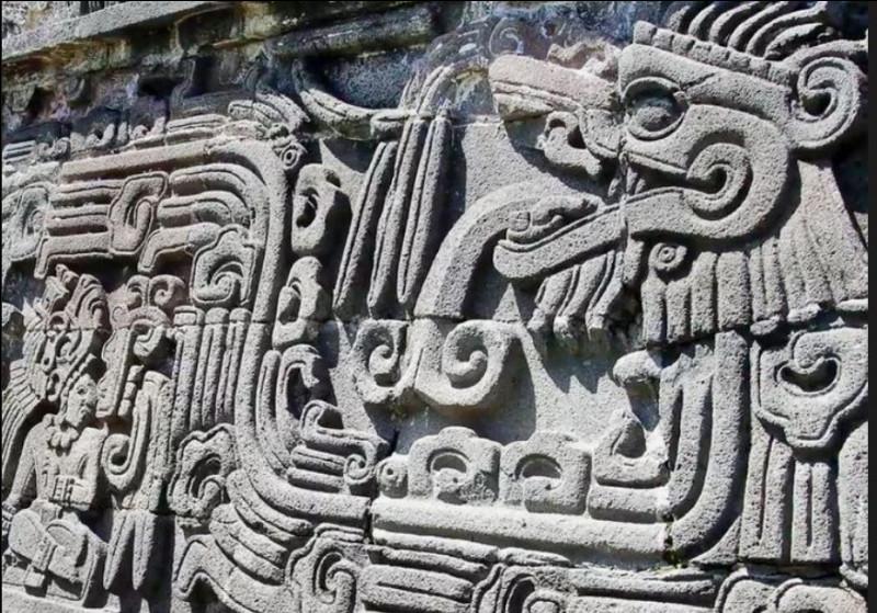 Quel peuple s'est allié à Cortès pour battre leurs rivaux de toujours, les Aztèques de Tenochtitlan ?