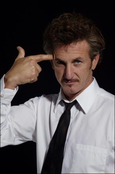 Quel film réuni Sean Penn, Tim Robbins et Kevin Bacon ?