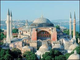 Istanbul est une ville de Turquie. Mais quel a été son premier nom ?