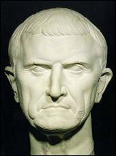En 53 av. J.-C, c'est le premier affrontement entre les Romains et les Parthes. Crassus, triumvir et proconsul en Syrie, a lancé une campagne contre l'empire parthe. Elle se conclut par la défaite romaine ; Crassus est mis à mort par les Parthes.