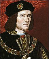 C'est la fin de la guerre des Deux-Roses : la bataille, le 22 août 1485, voit la victoire du parti Lancastre, dont le chef, Henri, comte de Richmond, devient par la suite le premier roi de la maison Tudor. Richard III, dernier roi de la maison d'York, est tué. La bataille est considérée comme un moment-clé de l'histoire anglaise en marquant la fin de la dynastie Plantagenêt.