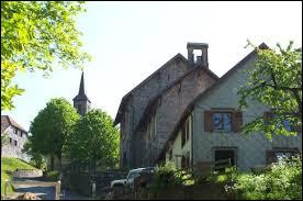 Je vous propose de partir dans le Grand-Est la découverte de Bellefosse. Village de la vallée de la Bruche, sur le versant ouest du massif du Champ du Feu, il se situe dans le département ...