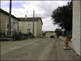 Village Tarn-et-Garonnais, dans la vallée de la Gimone, Marignac se situe en région ...
