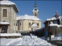 Je vous emmène dans le massif des Bauges, à Saint-Offenge-Dessous. Ancienne d'Auvergne-Rhône-Alpes, dans le parc naturel régional du Massif des Bauges, elle se situe dans le département ...