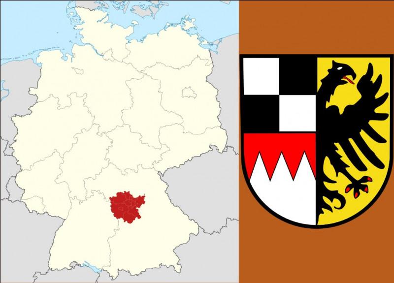 """Juste au sud, la Moyenne-Franconie est la capitale du houblon, de la saucisse grillée, de l'ail et du """"radis de cheval"""" : qu'est-ce à dire ?"""