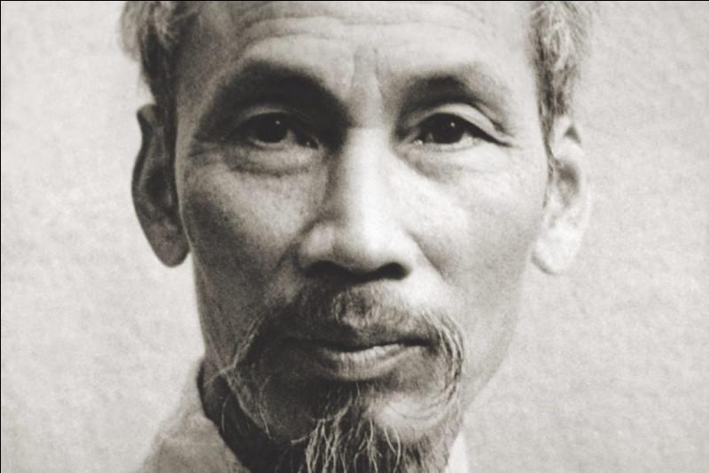 Hô Chi Minh-Ville située au sud du Vietnam est la ville la plus peuplée du pays. Hô Chi Minh est un tristement célèbre communiste qui était le leader du mouvement indépendantiste du Vietnam, né le 19 mai 1890 et mort à Hanoï, mais quelle est donc l'année de sa mort ?