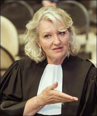 Dans quel téléfilm, diffusé le 25 septembre 2018, l'avocate est jouée par Charlotte de Turckheim et son client Paul Julien est joué par Bruno Wolkowitch ?