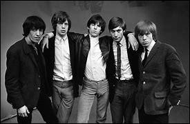Depuis 1962, ce groupe de rock britannique a publié 23 albums au Royaume-Uni et en a vendu plus de 400 millions. Son célèbre chanteur est Mick Jagger.