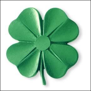 Le trèfle est le symbole de l'Irlande. Mais il n'est pas son emblème officiel. Celui-ci est :