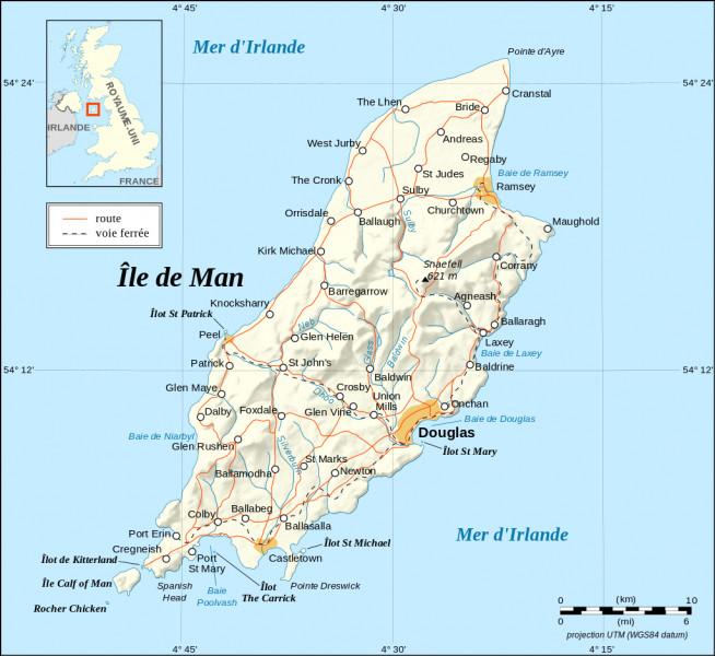 Après quelques heures d'avion, vous atterrissez sur cette petite île située en mer d'Irlande. Quelle est la capitale de l'île de Man ?