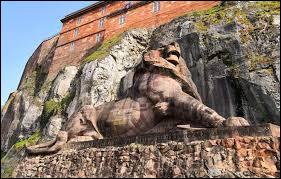 Dans quelle région peut-on admirer la célèbre statue du Lion de Belfort ?