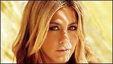 En quelle année a-t-elle obtenu son premier rôle à la télévision dans le spectacle Télé Molloy ?