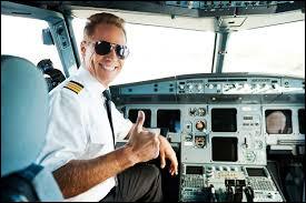 """Maintenant, écoutez ce pur plaisir qu'est """"Pilote"""". Qui la chante ?"""