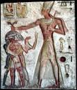 Le règne de Ramsès II a été le plus long de l'histoire pharaonique, de plus, ce pharaon a eu 8 épouses et une centaine d'enfants.