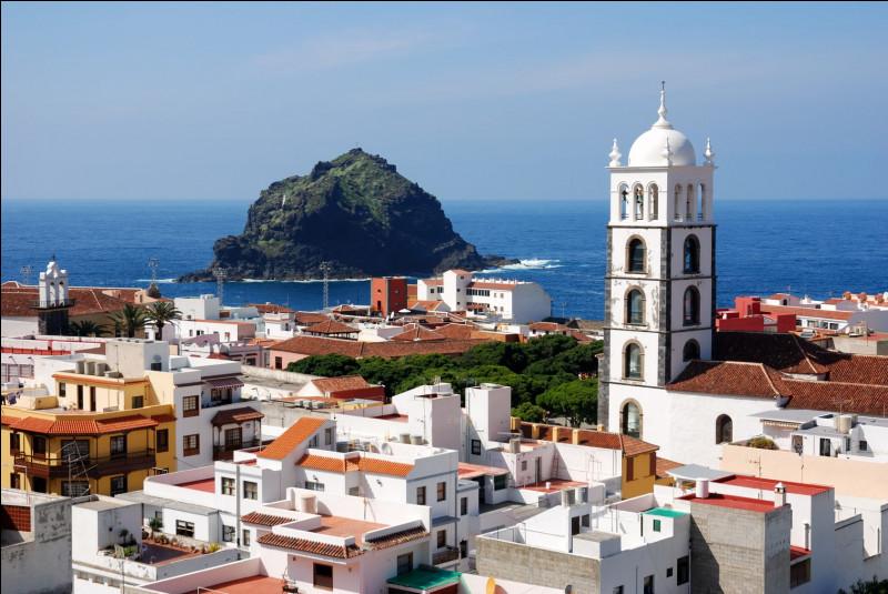 Quel archipel de l'océan Atlantique est espagnol ?