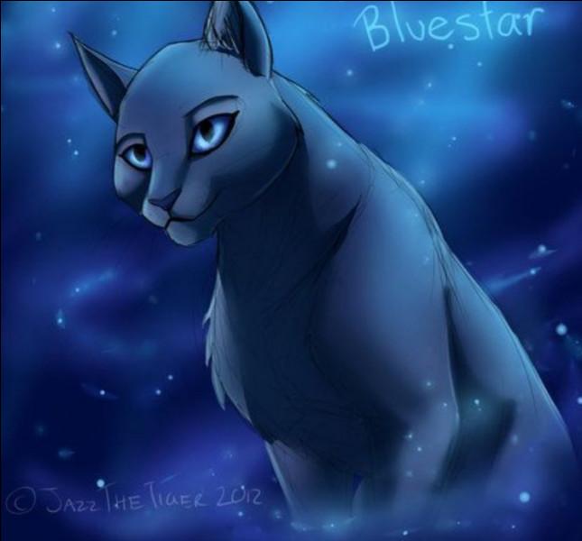Comment s'appelait la mère d'Étoile Bleue ?